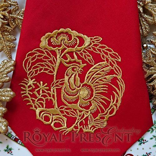 Дизайн машинной вышивки Петух держащий пион