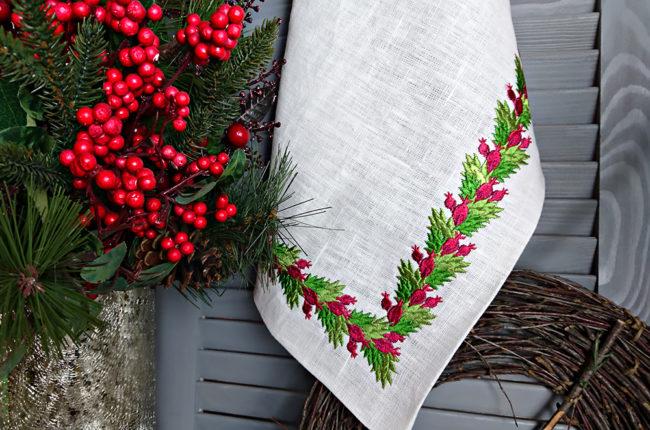 Дизайн машинной вышивки Новогодний ягодный бордюр
