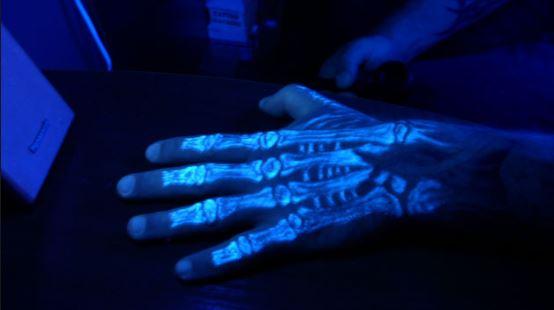 можно наносить также на кожу рук или ног