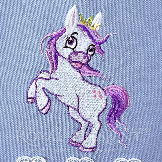 Дизайн машинной вышивки Скачущий Пони